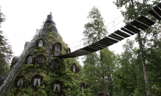 Magic-Mountain-Lodge-of-Huilo-Huilo-Chile-2