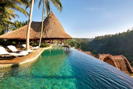 main-pool_restaurant-e1342387030622