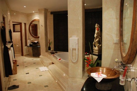 viceroy-villa-bathroom-e1342387236940