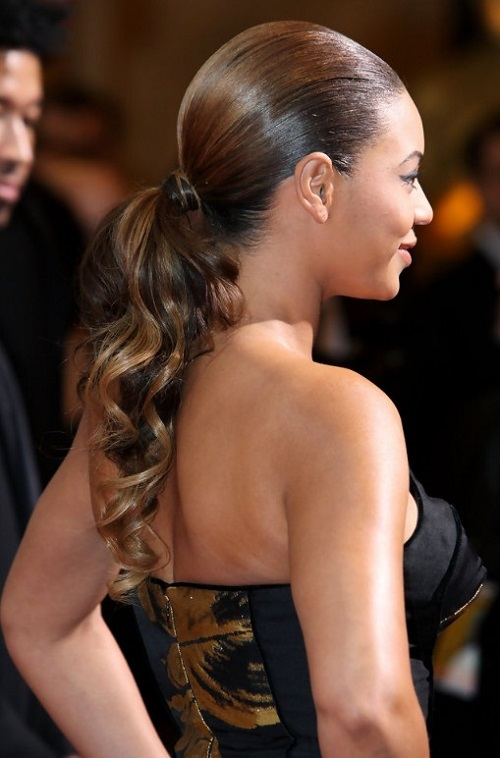 Beyonce-Knowles-Sleek-Curly-Ponytail