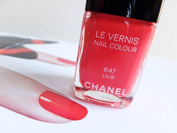 Chanel-Le-Vernis-Nail-Colour-in-647-Lilis_summer-2013