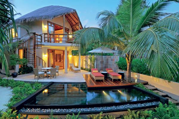 Constance-Halaveli-Resort-10