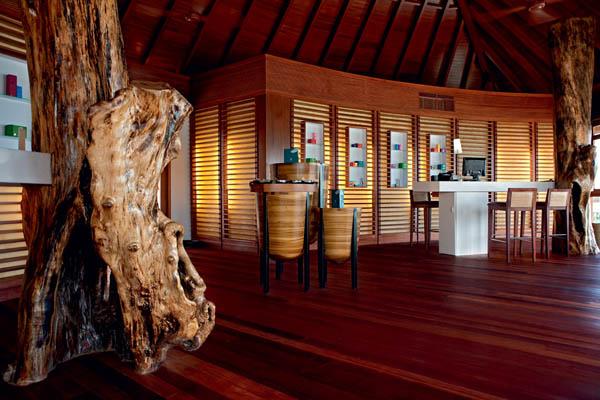Constance-Halaveli-Resort-14