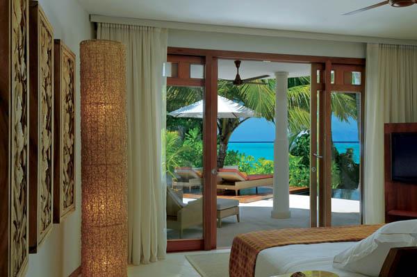 Constance-Halaveli-Resort-16