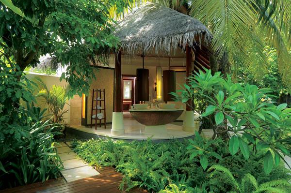 Constance-Halaveli-Resort-19