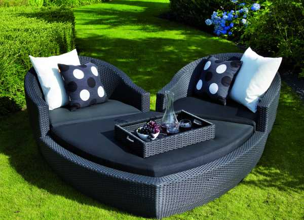 ravello heart outdoor lounge set alldaychic. Black Bedroom Furniture Sets. Home Design Ideas