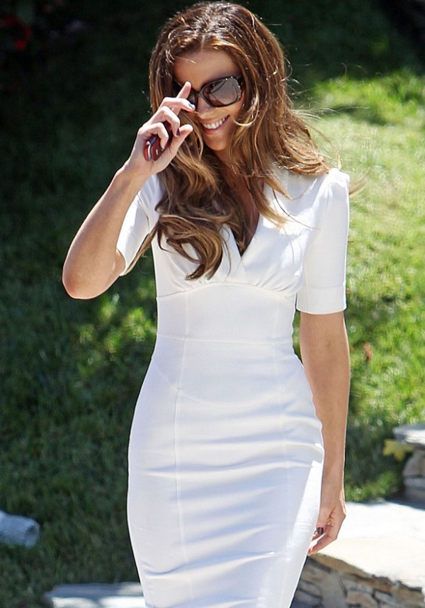 kate_beckinsale_white_dress_b-615x880