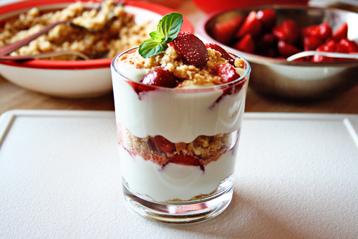 Delicious Strawberry Cheesecake Parfaits - AllDayChic
