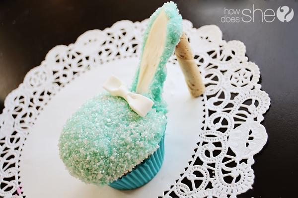 Украшение тортов Alysha-high-heel-cupcake-24