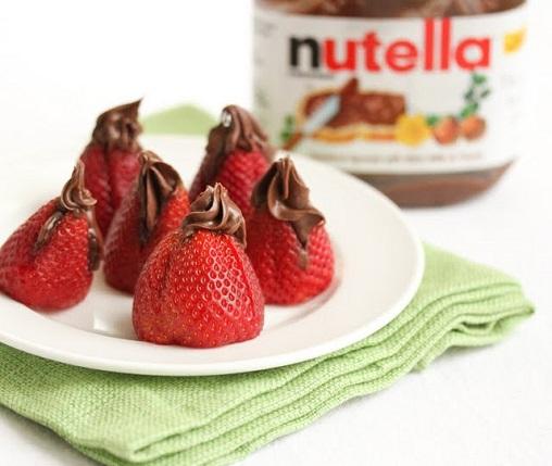 stuffed-nutella-strawberries-3