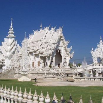 18 white-temple-chapel-of-wat-rong-khun-close-to-chiang-rai
