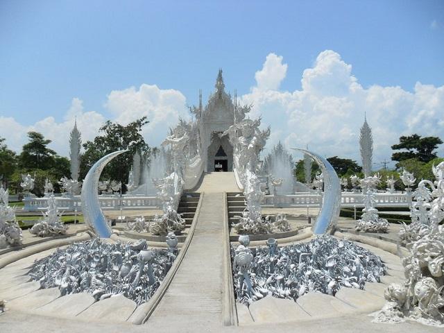 Koi-in-pond-Wat-Rong-Khun-White-Temple-Chiang-Rai-Thailand 2