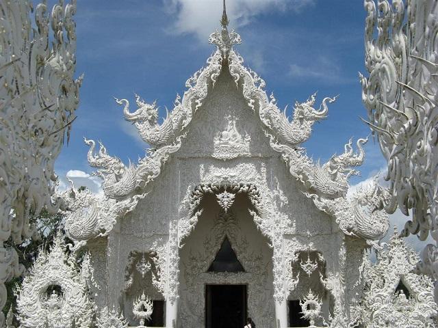 Koi-in-pond-Wat-Rong-Khun-White-Temple-Chiang-Rai-Thailand 4