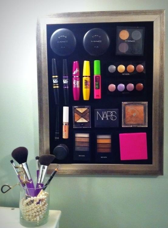 make up magnets board
