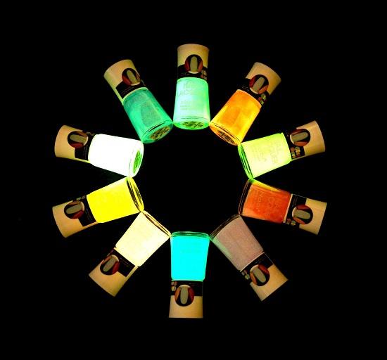 neon  nail polish 1