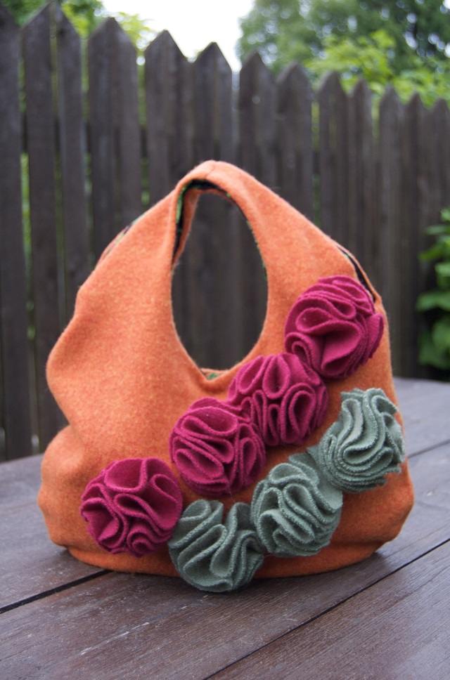 26 cute handbag from a sweater DIY