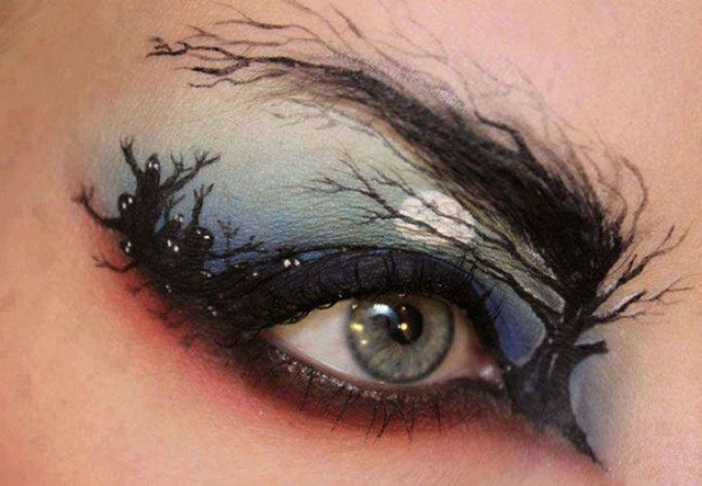 Hollow eyes makeup