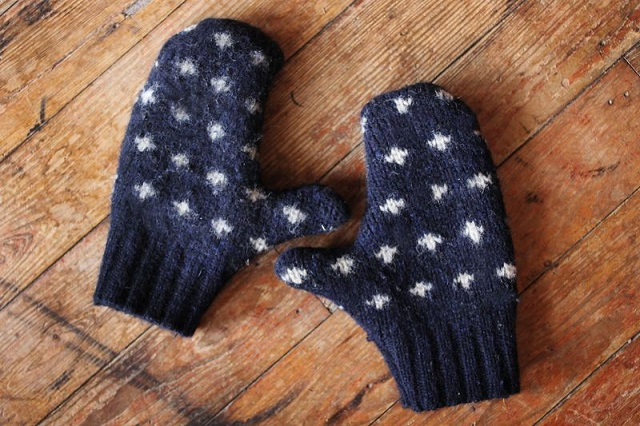 DIY Mittens from an Old Sweater 3