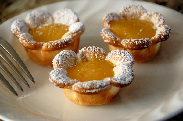 Flower Shaped Lemon Tarts