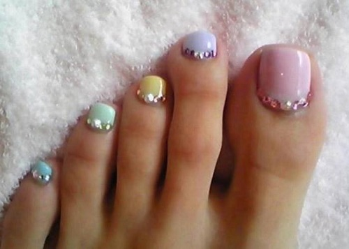 Toe nail art using rhinestones alldaychic toe nail art using rhinestones prinsesfo Images