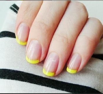 french manicure in an easy way