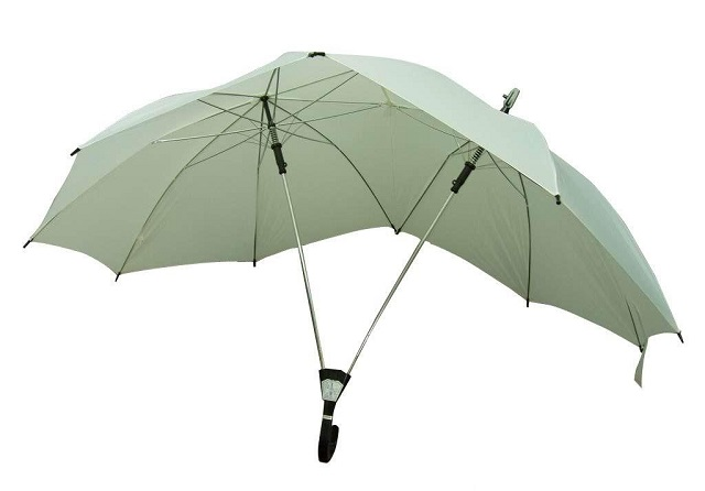 his-and-hers-umbrella-106