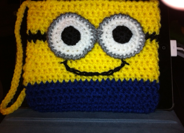 Crochet Pattern Minion : Crochet Minion Purse - DIY - AllDayChic