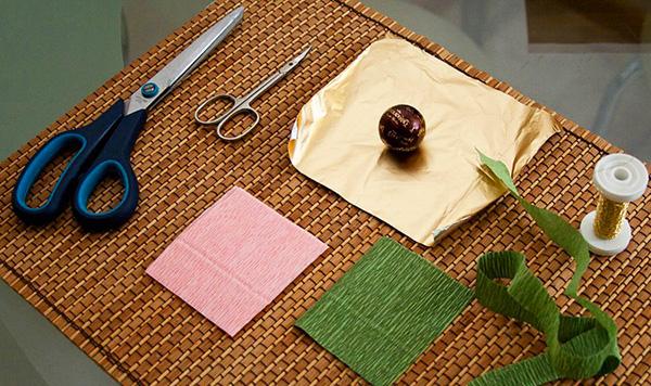 diy-gift-idea-edible-flower-bouque-chocolates-materials-tutorial