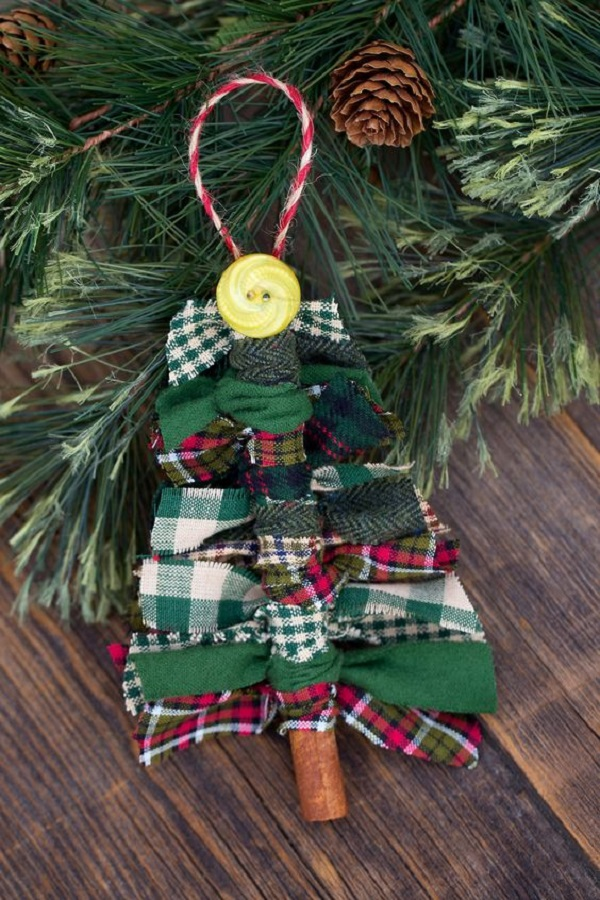 Rustic Christmas Tree Ornaments - DIY - AllDayChic