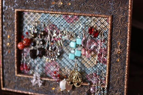 easy-Gift-Idea-make-earring-organizer