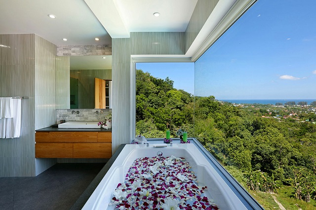 Amazing Villa for a Memorable Holiday in Phuket, Thailand (17)
