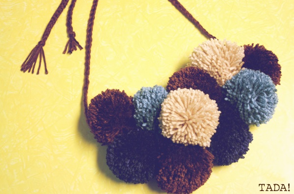 Pom-pom Necklace Scarf - DIY (2)