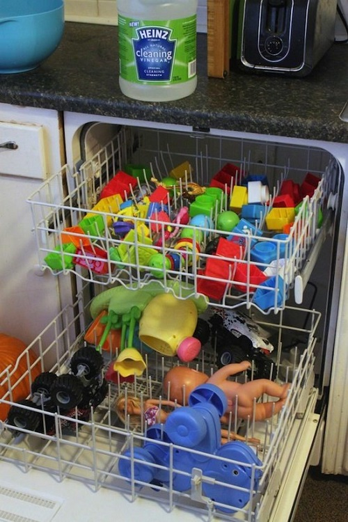 4 Cleaning Tips & Tricks-Clean Small Toys