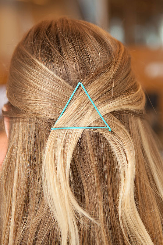 Creative Ways to Use Bobby Pins 15
