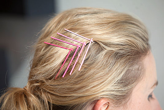Creative Ways to Use Bobby Pins 2