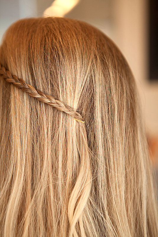 Creative Ways to Use Bobby Pins 4