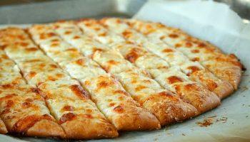 Fail-Proof-Pizza-Dough-and-Cheesy-Garlic-Bread-Sticks (4)