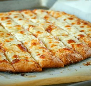 Fail-Proof-Pizza-Dough-and-Cheesy-Garlic-Bread-Sticks (4)