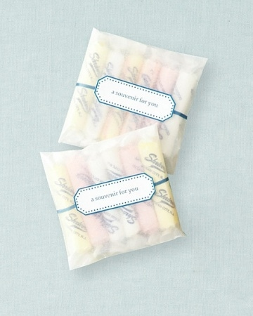 9 Awesome Wedding Favors Your Guest Will Adore