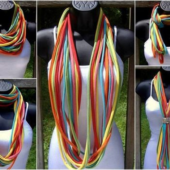 Amazing Necklace Out of an Old T-shirt