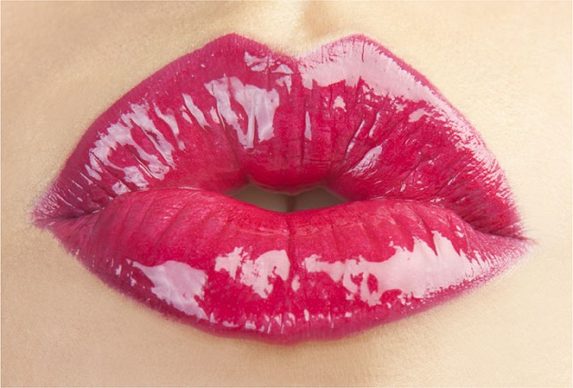 Full Lips - Bizarre Fashion Trends