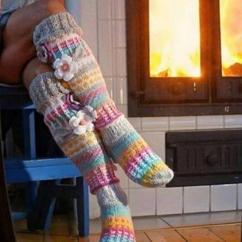 knitted-flower-leg-stockings