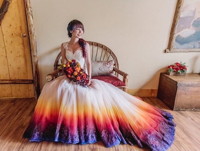 You Need To Take A Look At This Beautiful Dip Dye Wedding Dresses
