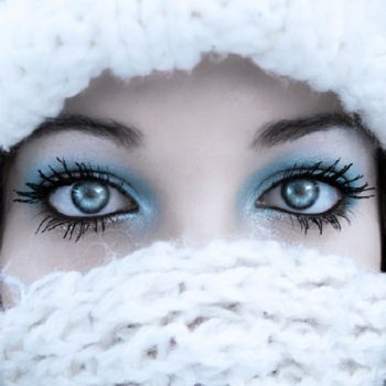 waterproof-makeup-in-winter