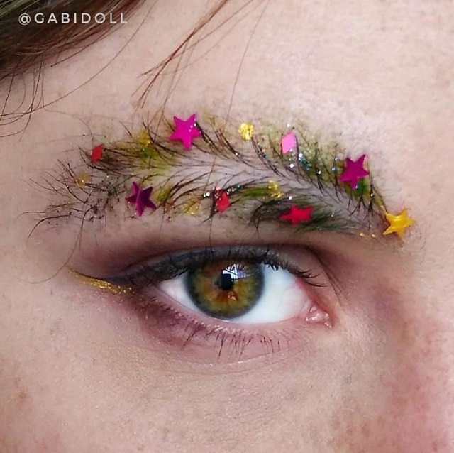 Extravagant Christmas Makeup Trend The Christmas Tree
