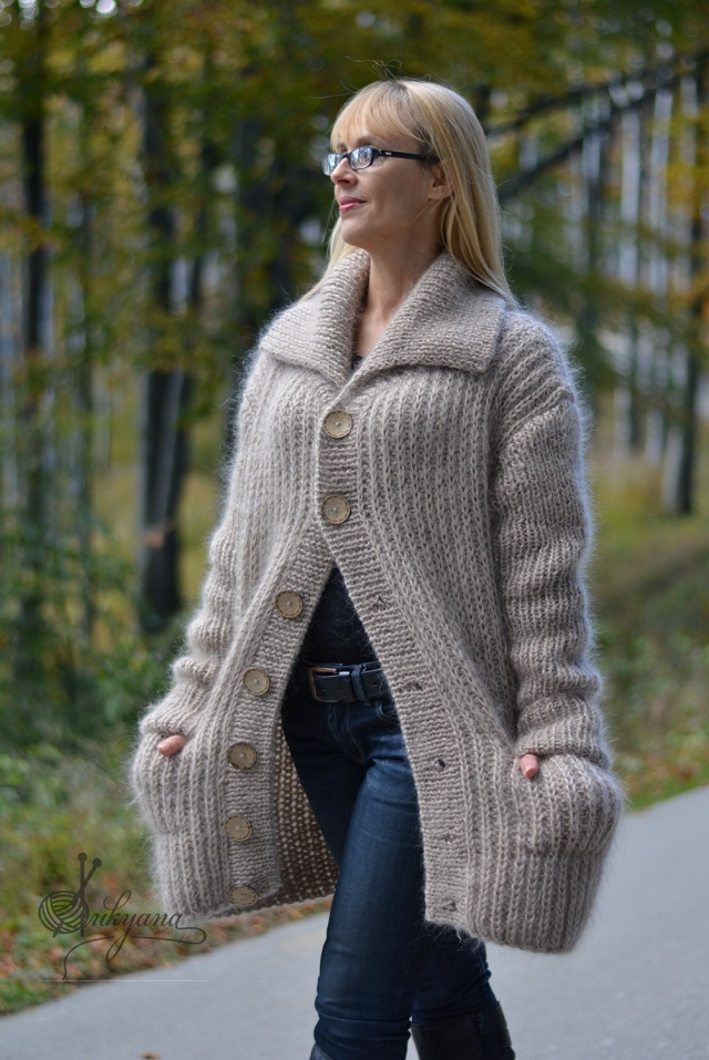 Dukyana S Huge Knit Tube Scarf Is What You Need This