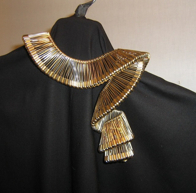 DIY Safety Pins Fashion Items