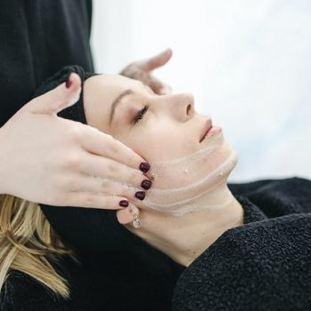 Beauty-treatment-Skin-Tags