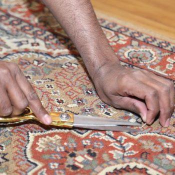 cutting-fix-snags-carpet-rug